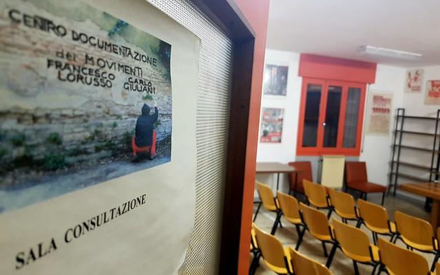 """Sala consultazione CentroDoc """"Lorusso-Giuliani"""""""