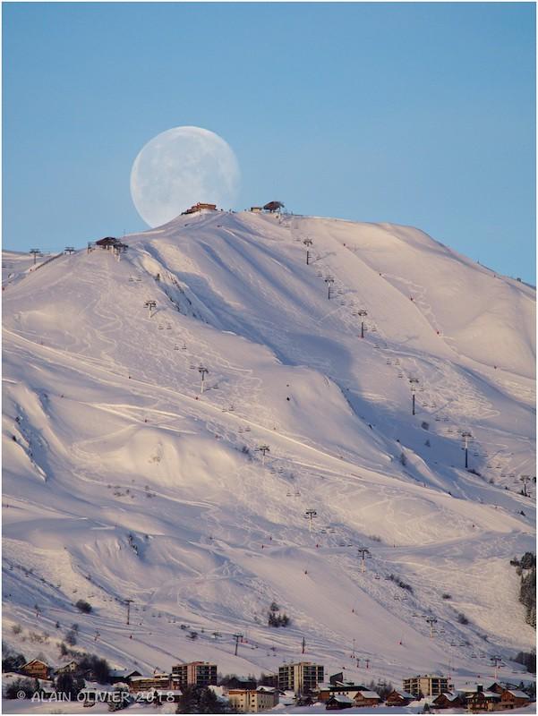 Coucher de lune ce matin 28258056779_a2b18a0325_b