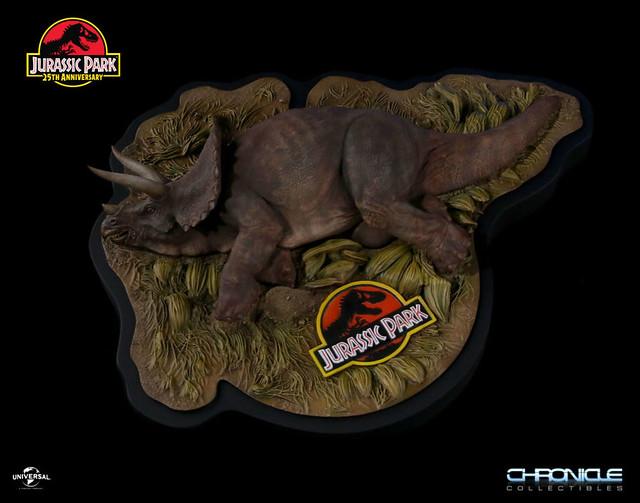 史上最Sick 的恐龍收藏?!Chronicle Collectibles《侏羅紀公園》生病的三角龍 Jurassic Park Sick Triceratops 全身場景雕像作品