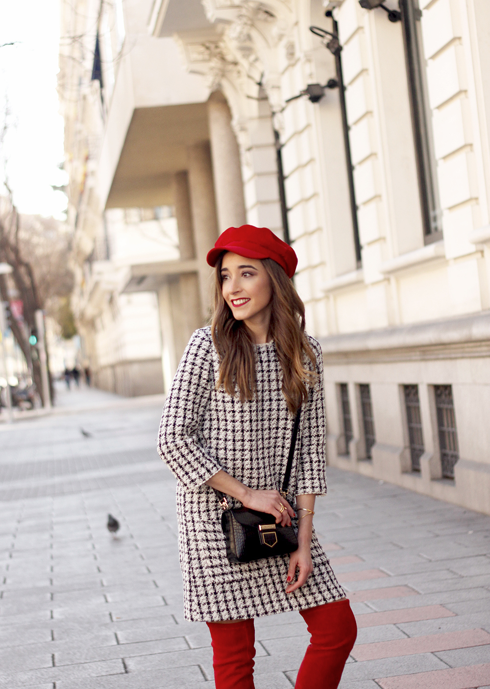 squares dress red over the knee boots givenchy bag red cap winter outfit look invierno08