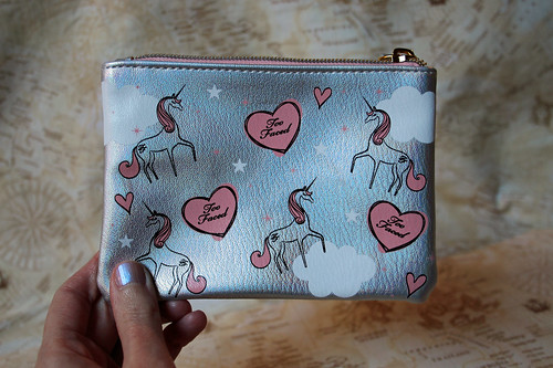 Too Faced - unicorn makeup bag