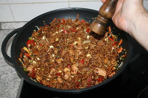 52 - Mit weißem Pfeffer abschmecken / Taste with white pepper