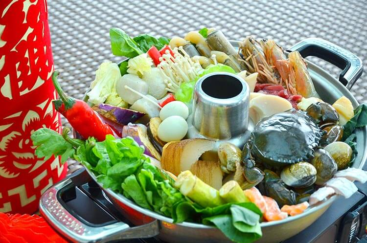 steamboat buffet dinner