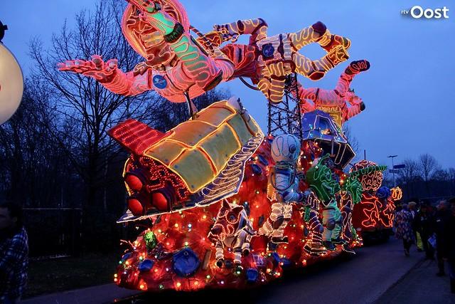 Verlichte carnavalsoptocht in Tubbergen