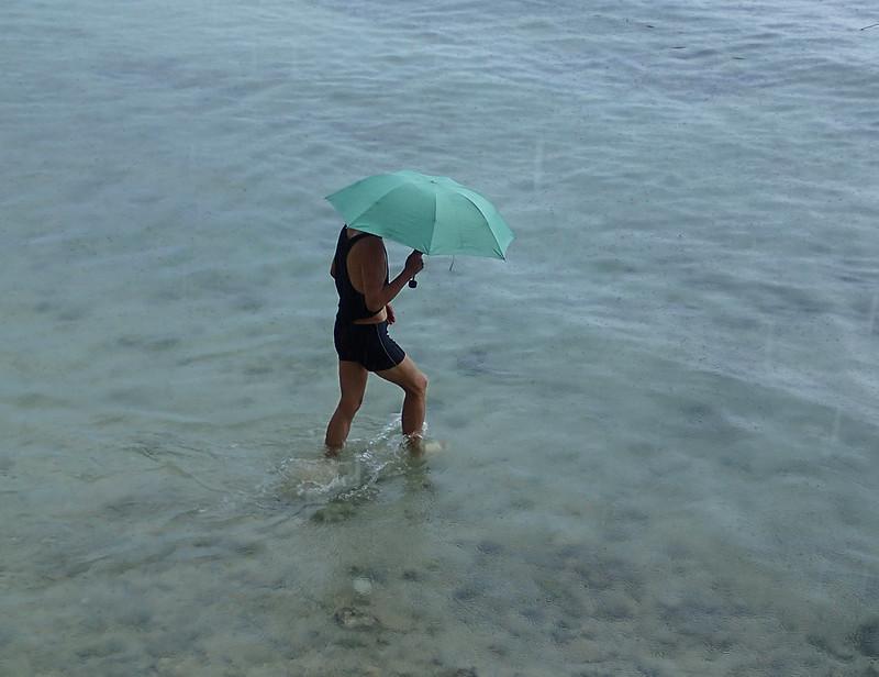 Chinese & Ubrella_Китайцы и зонтики-1