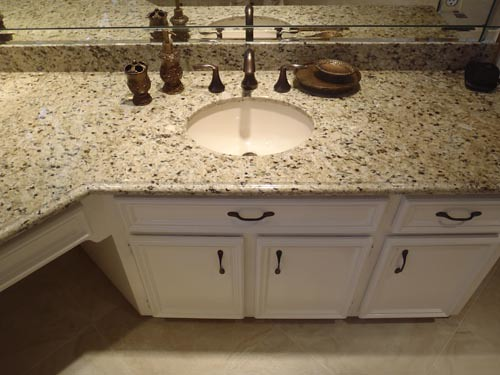 Mountain Trail Bay Oaks Custom Cabinets