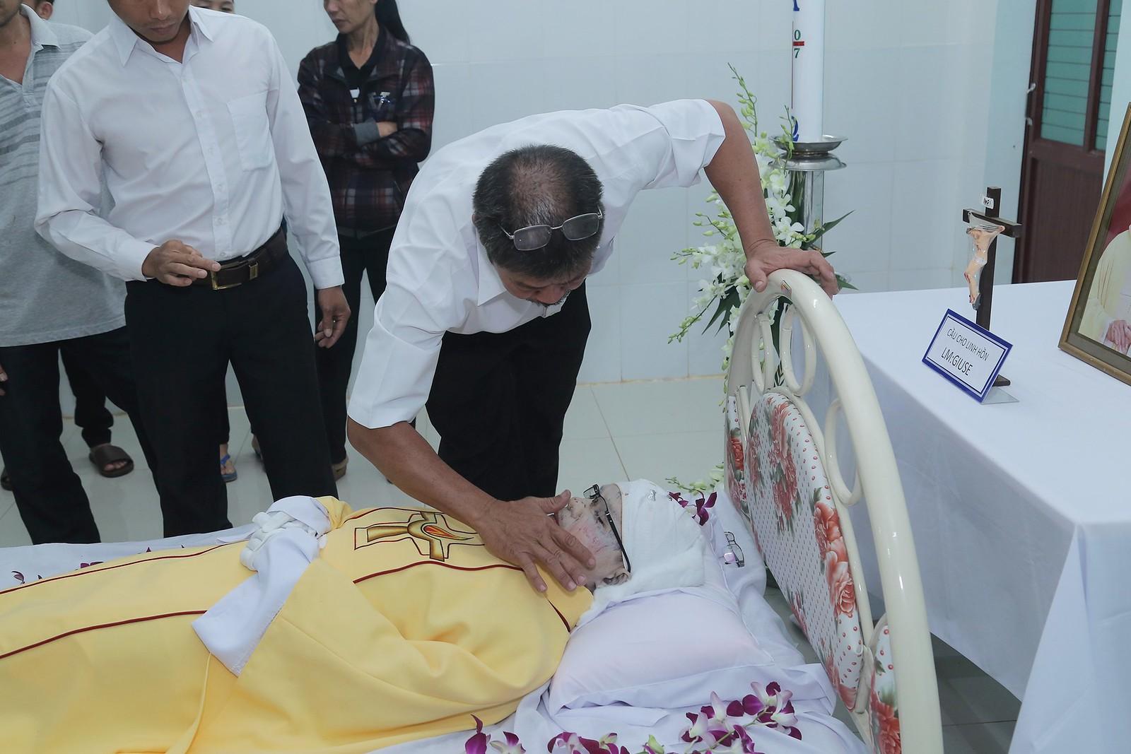 Cầu nguyện cho linh hồn Cha Giuse Đặng Đình An, Cha qua đời vì tai nạn giao thông - Ảnh minh hoạ 8