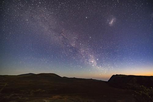 la fournaise volcan réunion milky way pentax pas des sables full frame magelllan piton de france astrotracer landscape astroscape