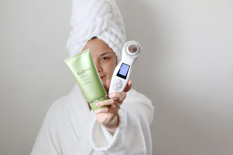 elemis-facial-wash-photonix-1-rejuvenating-facial-device-2