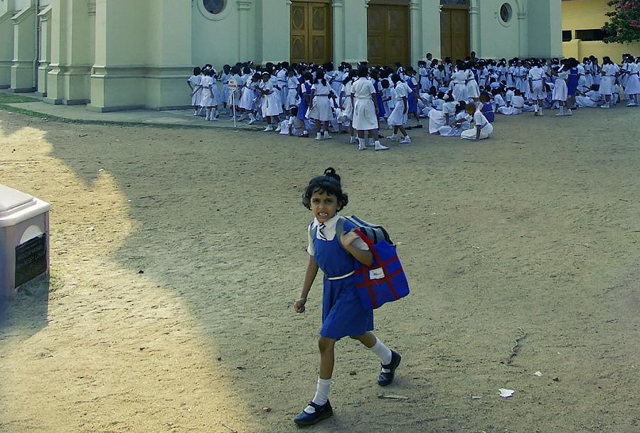 Христианская школа на островах Кочин.Керала, Индия © Kartzon Dream - авторские путешествия, авторские туры в Индию, тревел видео, фототуры