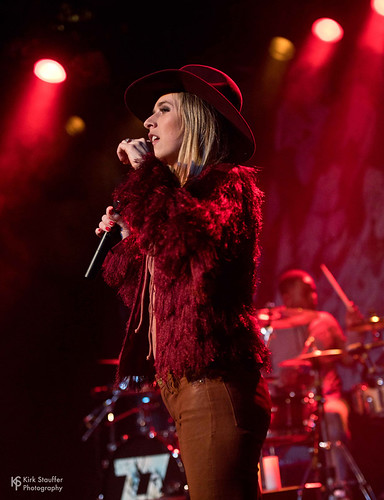 ZZ Ward @ Showbox at the Market