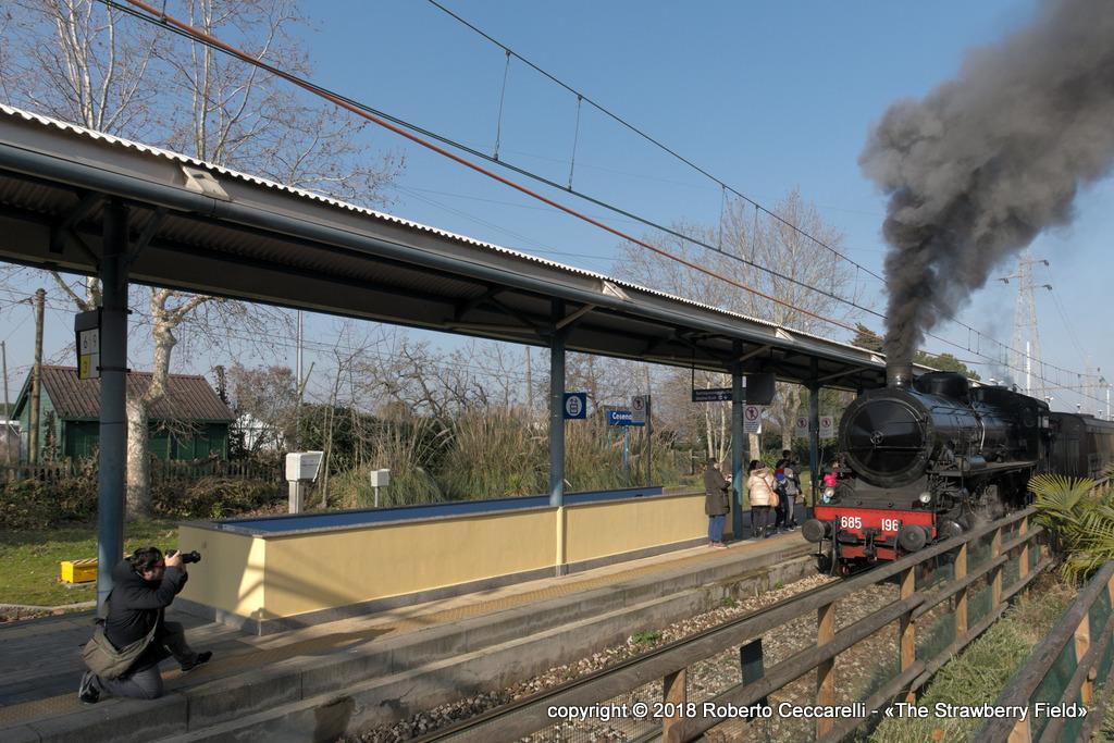Il treno in arrivo a Cesenatico