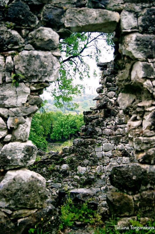 Руины в центральной части Старого Бара