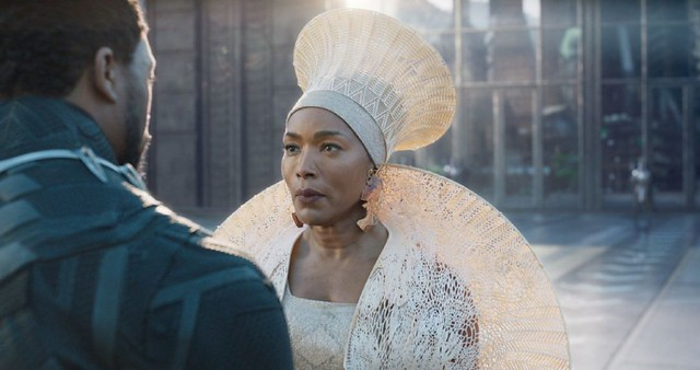 black_panther_angela_bassett