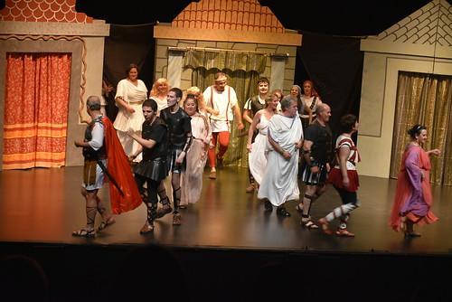 Festival de Teatro Aficionado Espacio Trece Están locos estos romanos