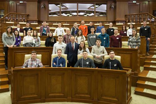 09.02.2018 Vizita tinerilor din Consiliul național al elevilor din învățământul profesional tehnic în Parlament.