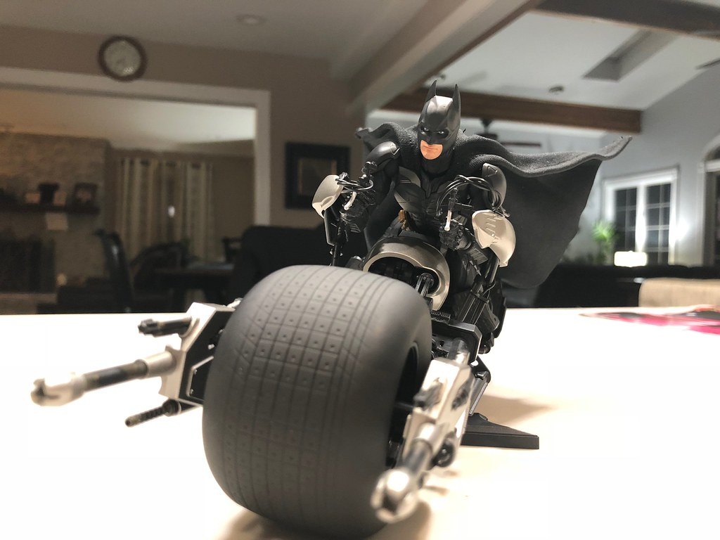Figuarts Bat-Pod