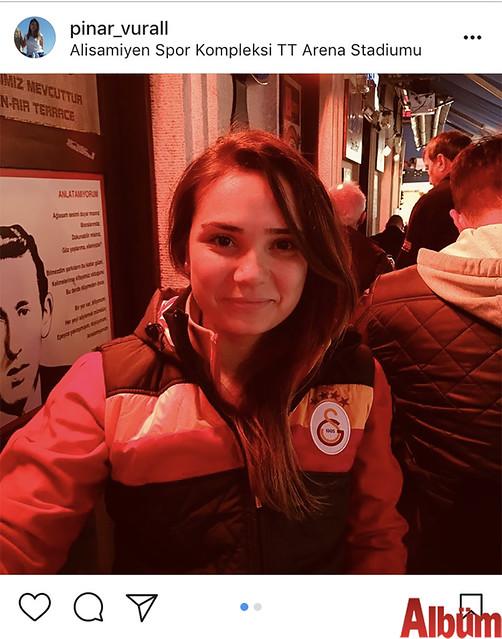 Fanatik Galatasaraylı olan İnşaat Yüksek Mühendisi Pınar Vural, maç öncesi Nevizade'deydi.