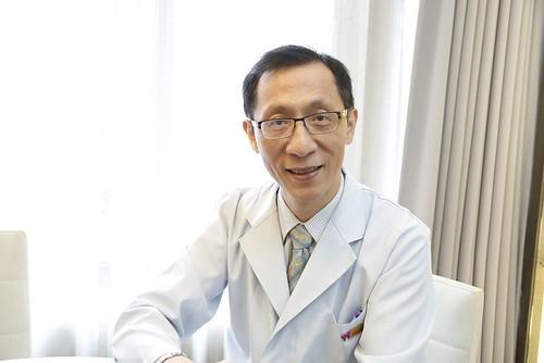 郭雨文醫師專訪:以為植牙就一切搞定?不!問題可能出在你的牙周...