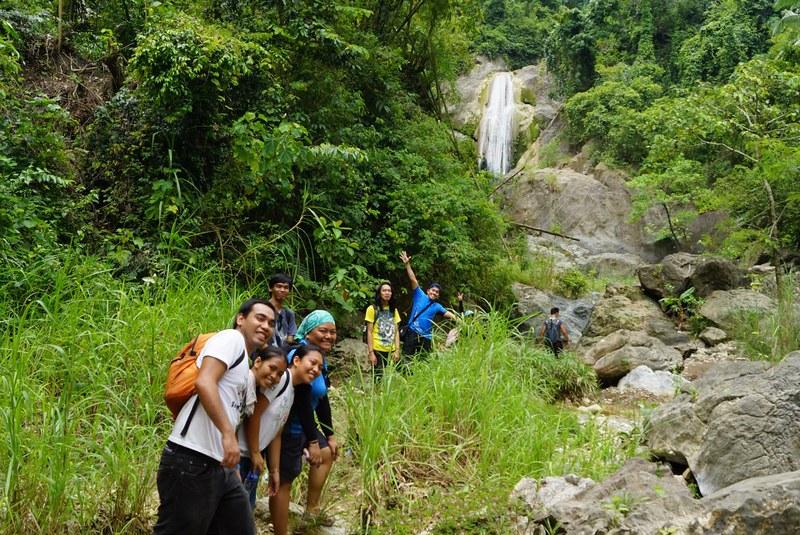 nearing Kabang Falls
