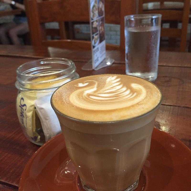 Yolk Coffee and Breakfast - Latte