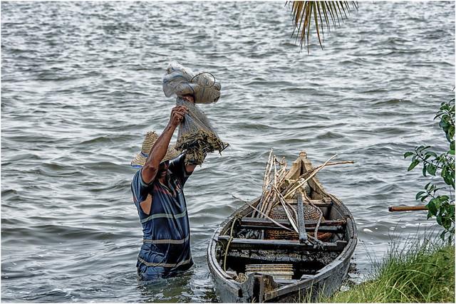 Cochin , Kumbalangi  Village ... the fisherman ...