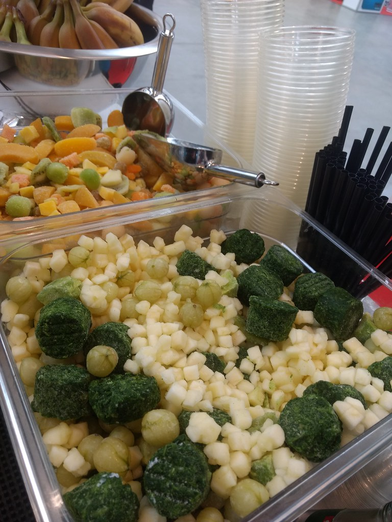 """#Hummercatering #Event #Cratering #<a title=""""mobiles Smoothie Catering und Smoothies in Flaschen """" class=""""aalmanual"""" target=""""_self"""" href=""""https://koeln-catering-service.de/ass="""