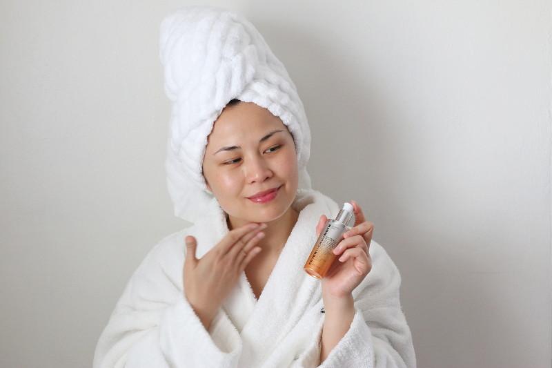 apply-serum-moisturizer-cream-17
