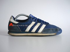 VINTAGE ADIDAS ORION RUNNING SPORT SHOES