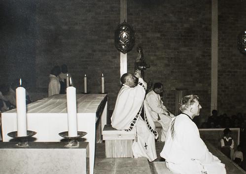 25 de marzo de 1965 - Día de la inauguración [24] - Homilía: el pueblo participa con vivas y con largos aplausos.