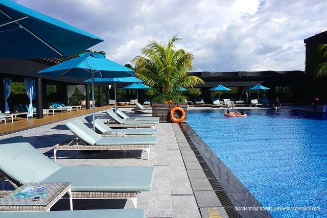 Hilton Kota Kinabalu Rooftop Pool
