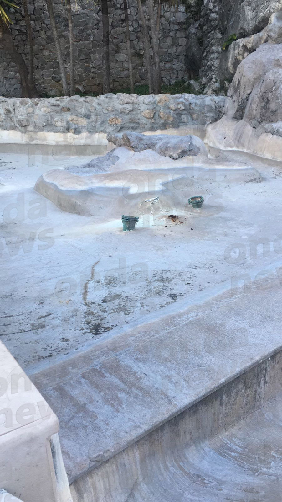 A Polla una fontana danneggiata