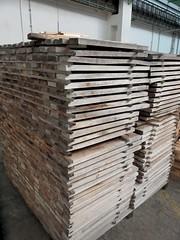 Pečlivě vybrané 1mdlouhé dřevěné přířezy
