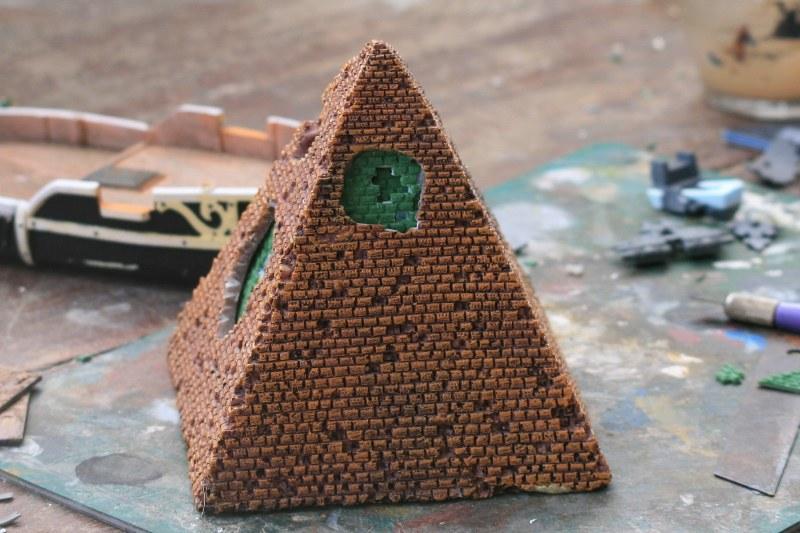 [Décors Aquarium] Une pyramide 39623263471_2e9313c200_c