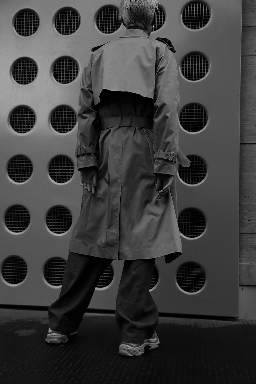 MikkoPuttonen_Fashionblogger_London_Asos_Menswear_Trenchcoat_Tonsure_BalenciagaTrepleS13_web