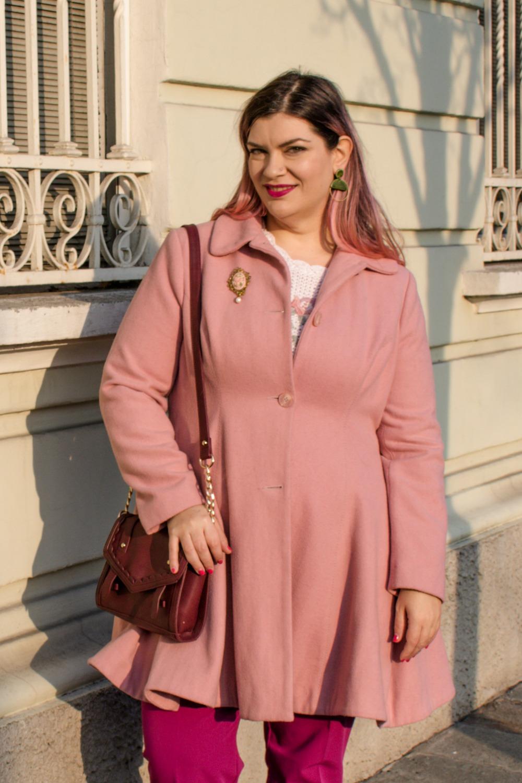 Outfit plus size, maglione vintage pantaloni colorati (6)