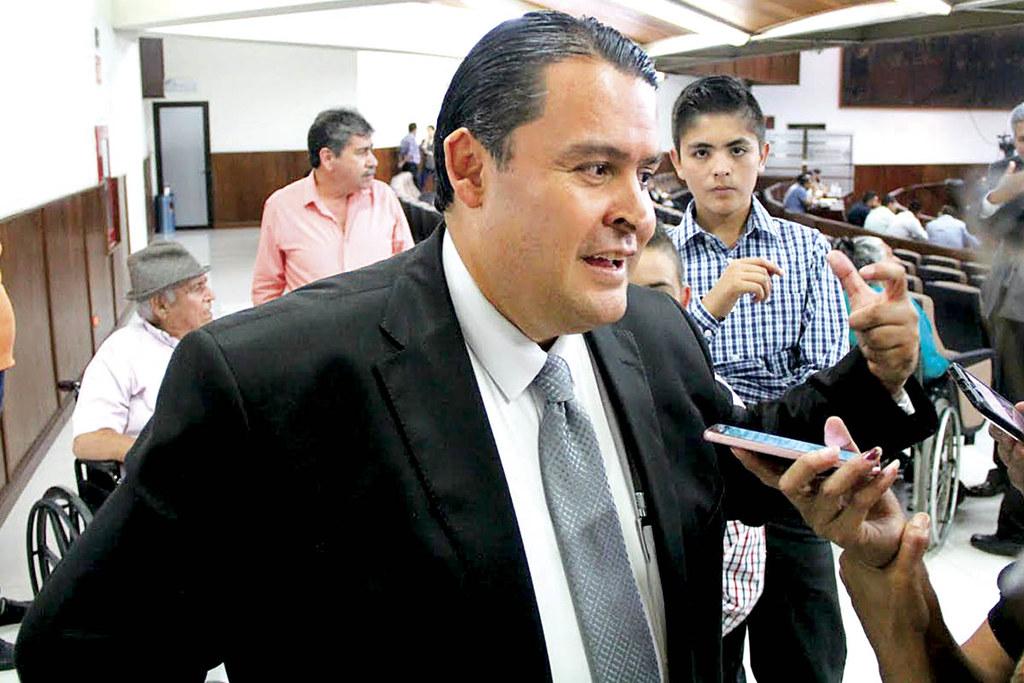 PÁG. 4 (4). Lic. Marco Antonio Gûereca Díaz, presidente de la CEDH del estado de Durango, muy complaciente con el gobierno del cambio y con el sector más conservador de la sociedad
