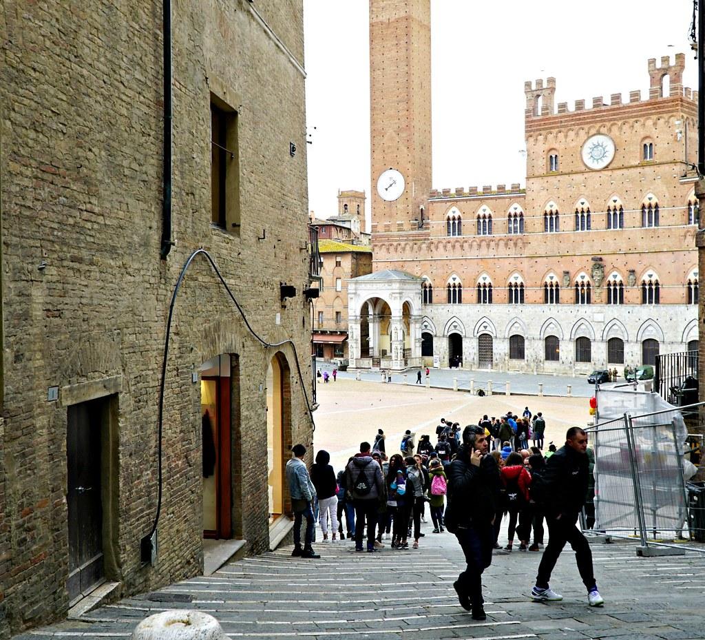 Portaat Piazza del Campolle