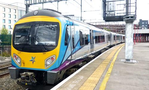 Class 185 'First TransPennine Express' No 185135. Siemens Desiro DMU on Dennis Basford's railsroadsrunways.blogspot.co.uk'