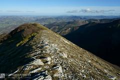 MONTE MORCIA per il Sentiero Frassati e la cresta est