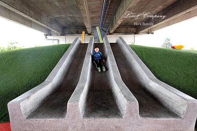 桃園國道高架橋下特色公園12