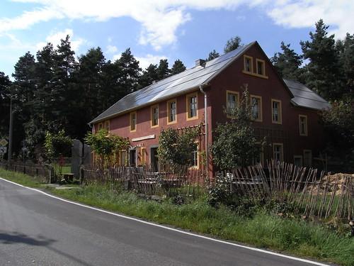 20100824 266 0104 Jakobus Wüsteberghaus Herberge Straße Wald
