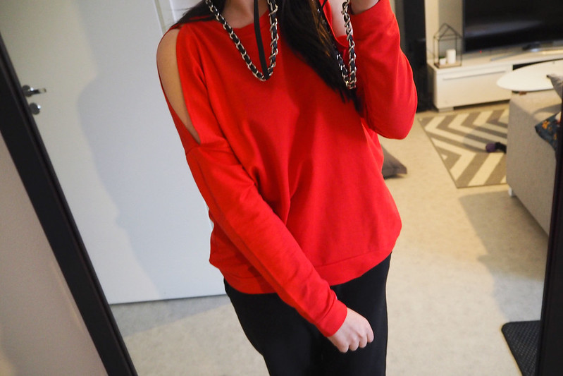 punainen paita
