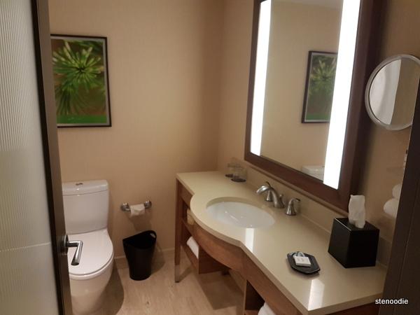 Le Centre Sheraton Montreal Hotel bathroom