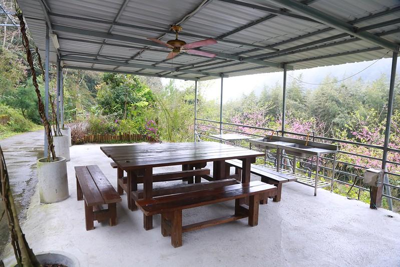 方便的大木桌
