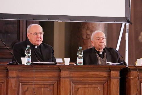 """""""Carisma e istituzione in movimenti e comunità ecclesiali"""""""