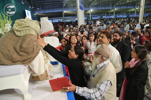 Family of Rev. JRD Satyarthi Ji seeking blessings