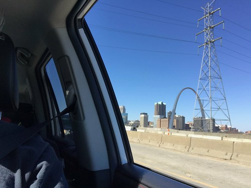 Travelling - the Arch of Saint Louis