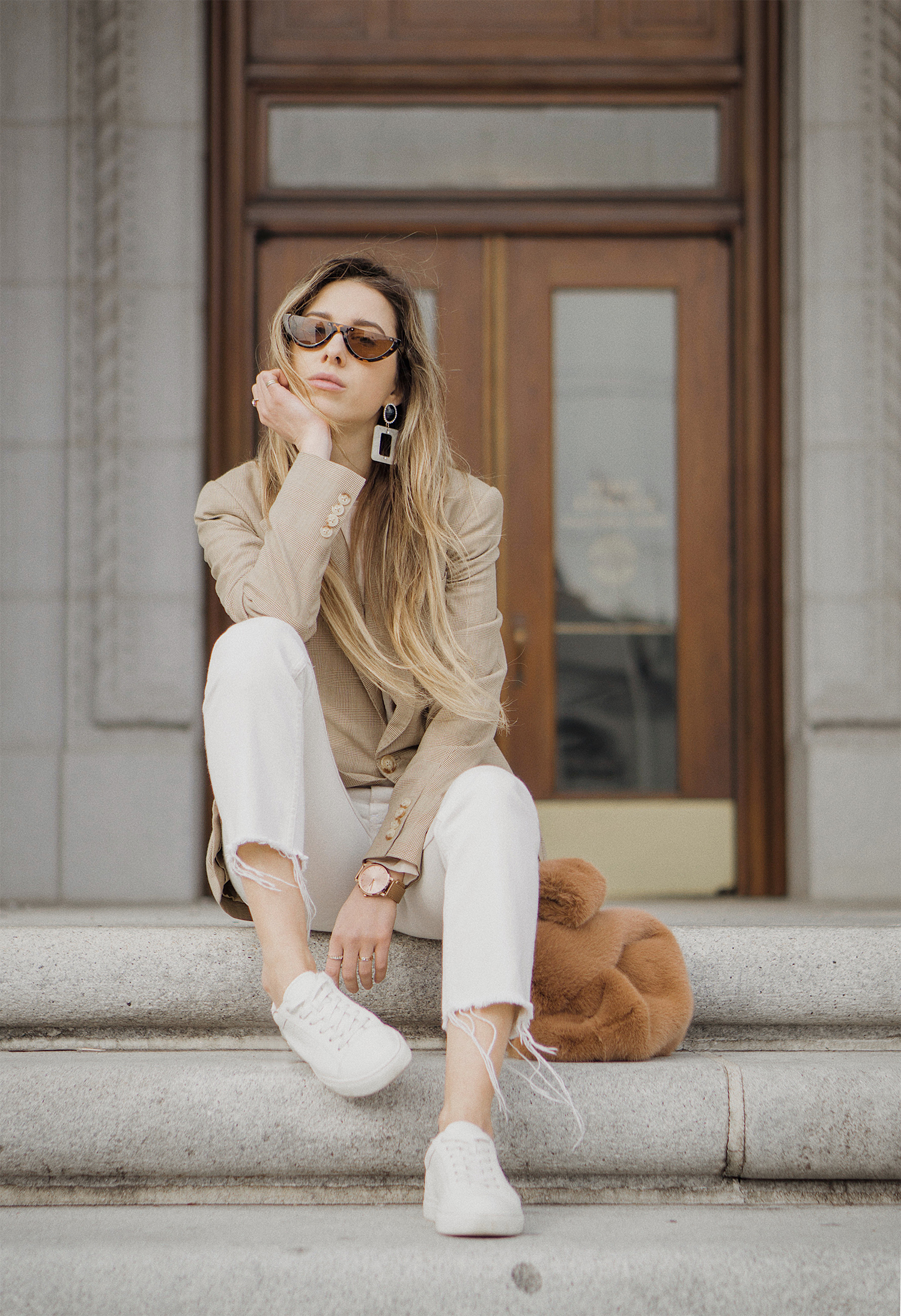ralph_lauren_neutral_layers_outfit_fur_bag_vince_zara_trench_coat_street_style_lenajuice_thewhiteocean_03