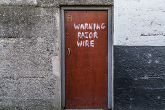 WARNING RAZOR WIRE [URBAN DEPRESSION IN CABRA]-136632